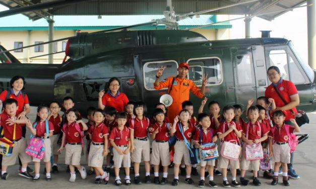 Kunjungan ke Penerbad TNI AD